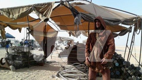 В сеть попали первые снимки со съемочной площадки новых «Звездных войн». Изображение № 25.