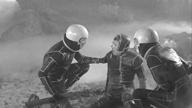 Облик грядущего: Какой представляли одежду будущего режиссеры фантастических фильмов. Изображение № 37.