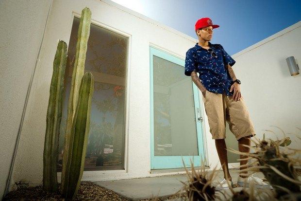 Марка LRG выпустила лукбук летней коллекции одежды, снятый в калифорнийской пустыне. Изображение № 14.