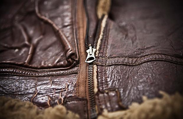 На высоте: История и особенности легендарной пилотской куртки на меху — B-3. Изображение № 4.