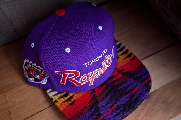 Genesis Project совместно с Pendleton выпустили коллекцию кепок с символикой команд НБА. Изображение № 16.