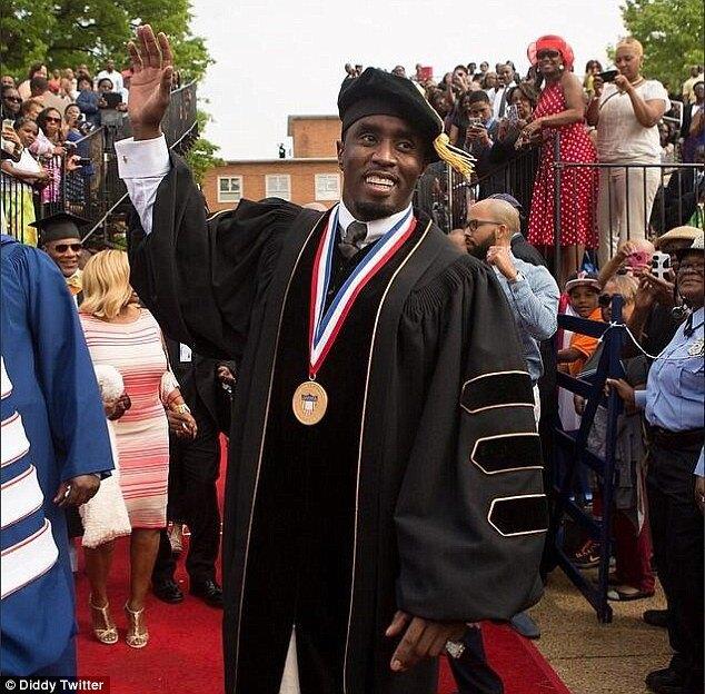 Пафф Дэдди стал почётным доктором Говардского университета. Изображение № 1.