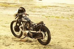 Испанская мастерская El Solitario изготовила мотоцикл Winning Loser. Изображение № 26.