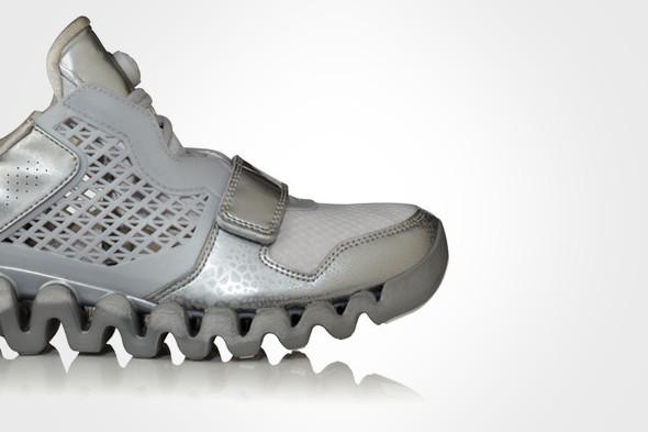 10 самых спорных моделей кроссовок 2011 года. Изображение № 67.