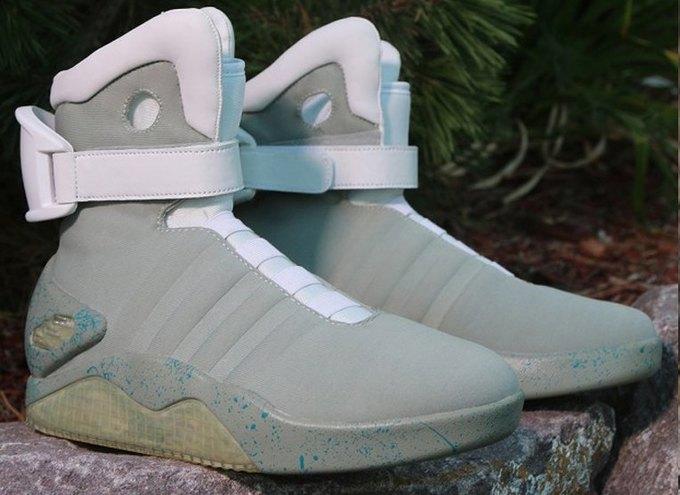 Кроссовки Марти МакФлая из «Назад в будущее 2» появились в продаже. Изображение № 2.