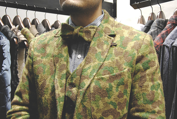 Детали: Репортаж с выставки мужской одежды Pitti Uomo. День третий. Изображение № 1.