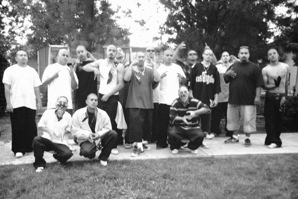 Cholo writing: Гид по граффити латинских банд Лос-Анджелеса. Изображение № 5.