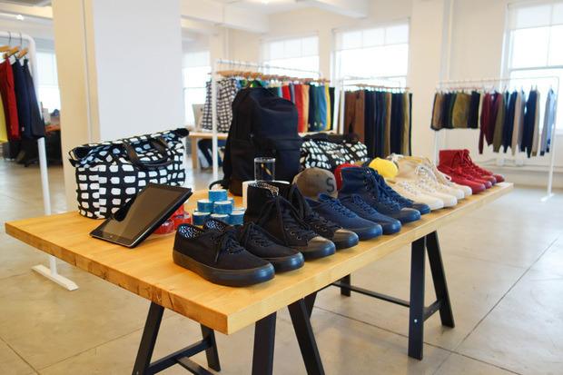 Американская марка Saturdays Surf NYC выпустила превью весенней коллекции одежды. Изображение № 12.