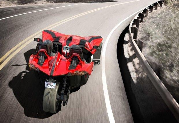 Трёхколёсный спорткар Polaris Slingshot вышел под маской мотоцикла. Изображение № 3.