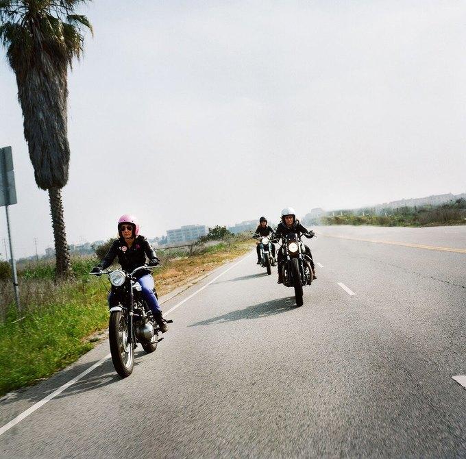 La Motocyclette: Американская фотовыставка доказывает право девушек называться байкерами. Изображение № 8.