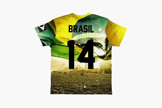 Марка Eleven Paris к чемпионату мира по футболу представила коллекцию футболок. Изображение № 12.