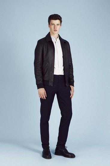 Французская марка A.P.C. выпустила лукбук весенней коллекции одежды. Изображение № 15.