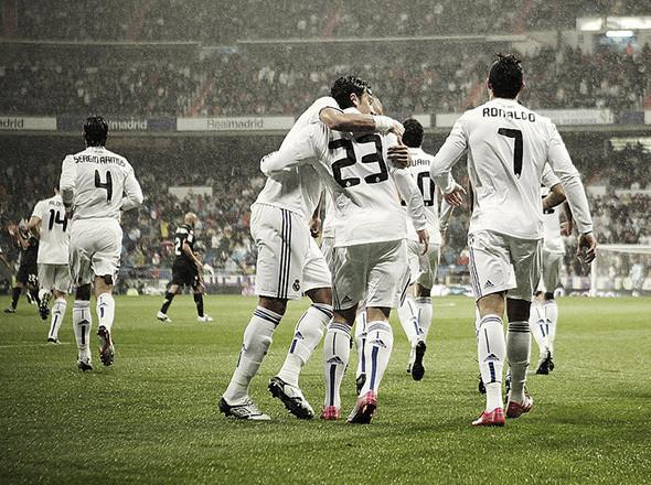 Футбольная команда Real Madrid, 2010. Изображение №7.