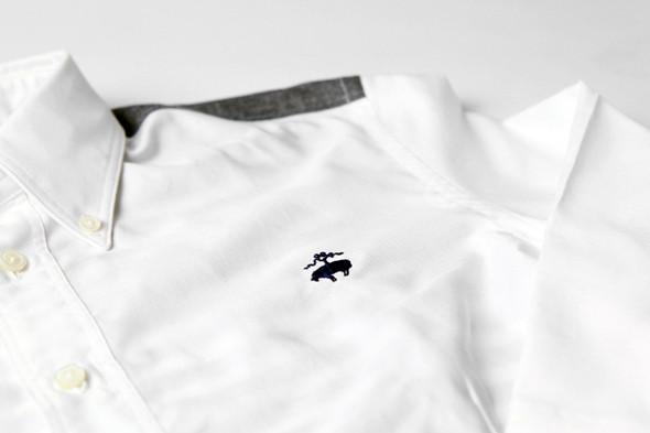 Изображение 3. Дизайнер Джуниа Ватанабe создал рубашку вместе с Brooks Brothers.. Изображение № 3.