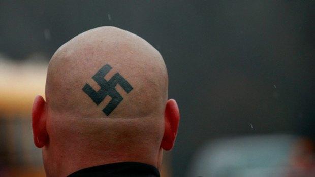 Немецкие полицейские создали аналог сервиса Shazam для поиска неонацистского рока. Изображение № 1.
