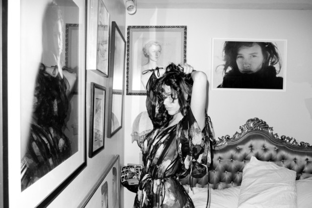 Актриса Пас де ла Уэрта снялась у Терри Ричардсона. Изображение № 3.