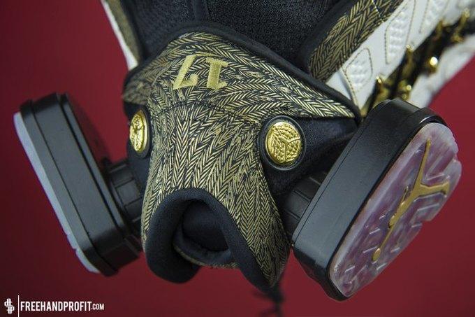 Freehand Profit: Противогазы из дизайнерских кроссовок. Изображение № 9.