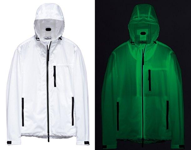 Марка Stone Island выпустила новую коллекцию одежды, светящейся в темноте. Изображение № 1.