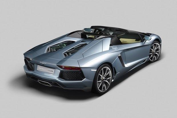 Lamborghini представили новый суперкар Aventador LP700-4 Roadster . Изображение № 10.