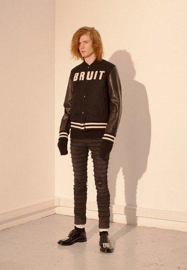Марка Undercover опубликовала лукбук осенней коллекции одежды. Изображение № 38.