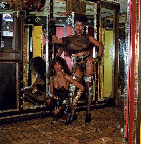Вышла книга фотографий «The Forty-Deuce», посвященная легендарной площади Таймс-Сквер. Изображение № 3.
