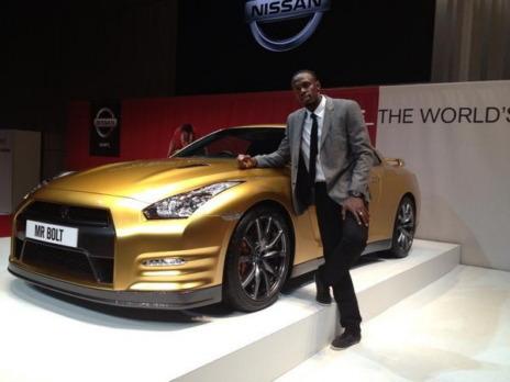 Nissan изготовил эксклюзивный золотой суперкар GT-R в честь Усэйна Болта. Изображение № 3.