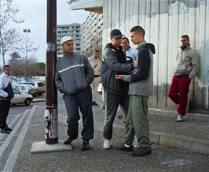 Жизнь обитателей французских окраин в фотопроекте Мохаммеда Борусса. Изображение № 7.