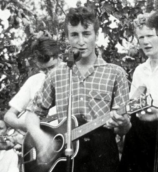 Жалобы учителей на Джона Леннона уйдут с молотка. Изображение № 1.