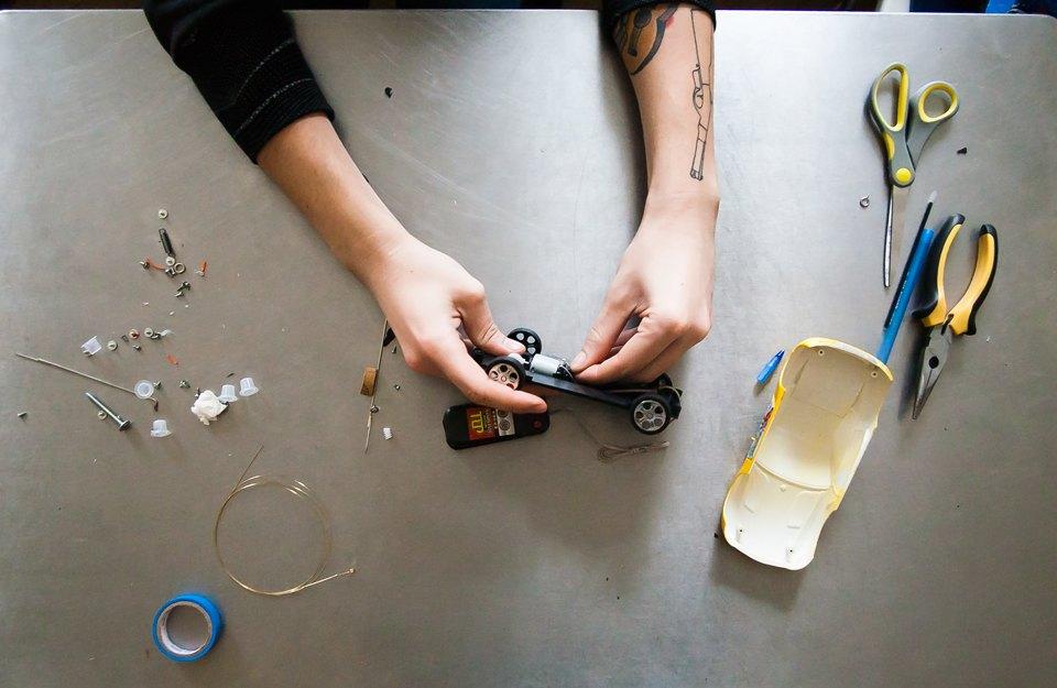 Как сделать 9 вольтовую батарейку