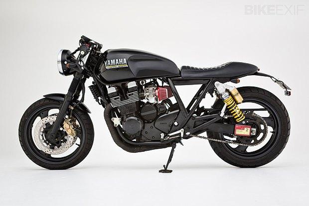 Мастерская Ellaspede представила новый кастом на базе мотоцикла Yamaha XJR400. Изображение № 2.
