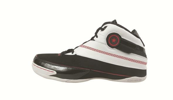Поставить на ноги: 25 именных баскетбольных кроссовок. Изображение № 49.