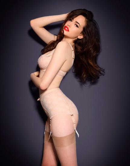 Австралийская модель Сара Стивенс снялась в рекламе Agent Provocateur . Изображение № 22.