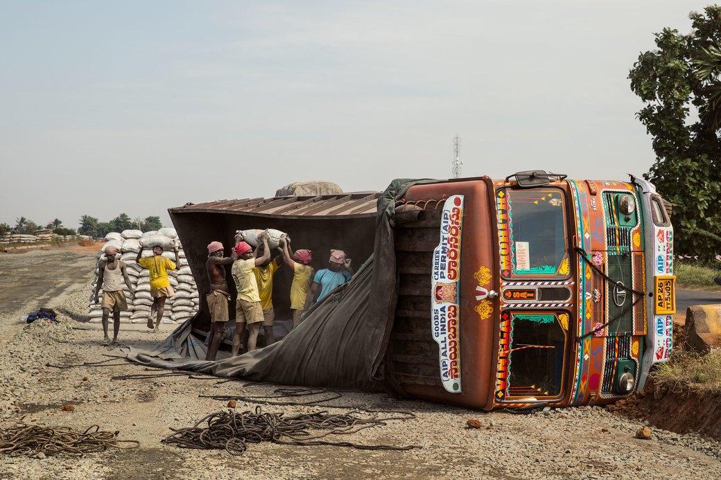 Я и друг мой грузовик: Индийские дальнобойщики и их автомобили. Изображение № 25.