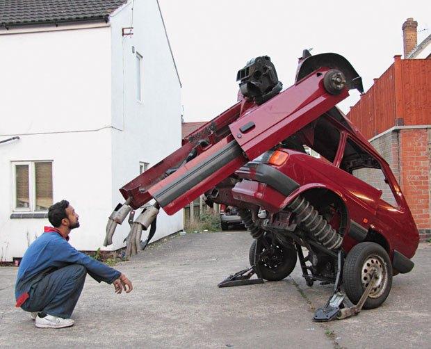 Британец построил трансформера из старого Ford Fiesta. Изображение № 1.