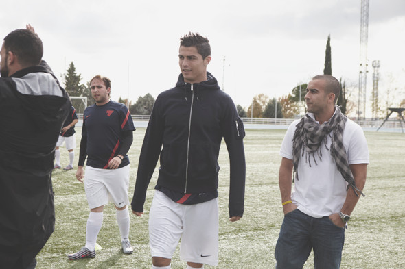 Коллекция одежды Криштиану Роналду и интервью со знаменитым футболистом. Изображение № 31.