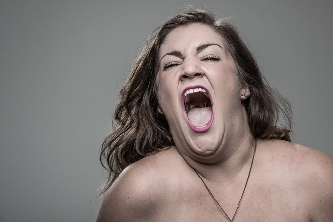 Фотограф снимал лица людей после удара шокером. Изображение № 27.