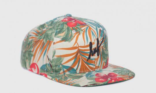 Американские марки HUF и Starter выпустили совместную коллекцию кепок. Изображение № 4.