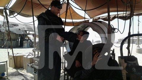 В сеть попали первые снимки со съемочной площадки новых «Звездных войн». Изображение № 8.