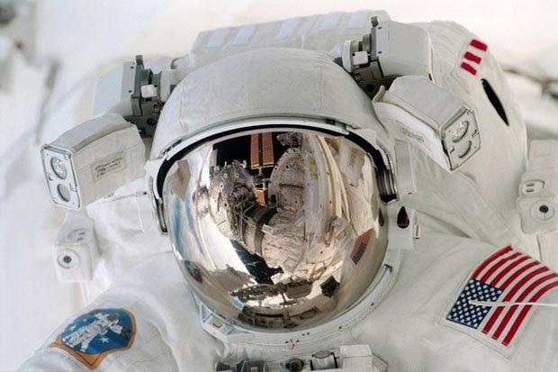 NASA опубликовало фотосессию, вдохновленную фильмом «Гравитация». Изображение № 1.