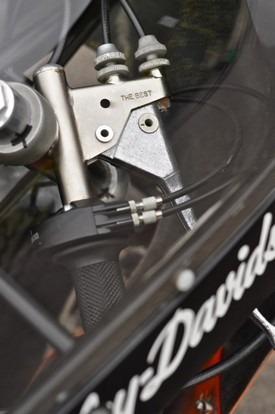 Мастерская британского дилера Warr's отреставрировала гоночный Harley-Davidson XRTT-750 . Изображение № 7.
