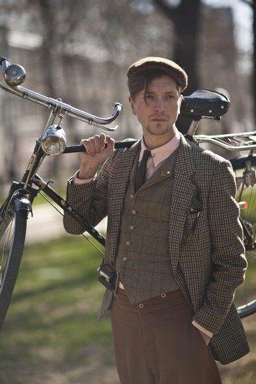 Организаторы велозаезда Tweed Ride Moscow опубликовали тематический лукбук. Изображение № 4.