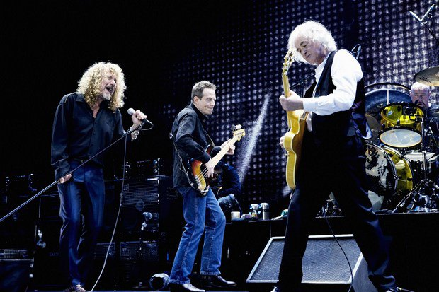 Led Zeppelin в 2007 году на сцене O2 Arena. Изображение № 1.