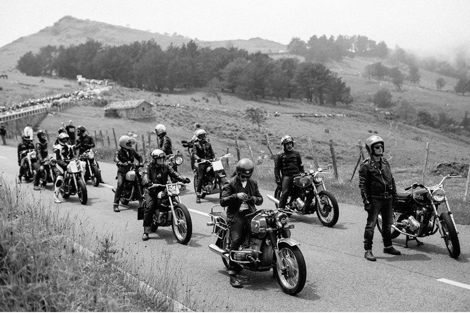 Фоторепортаж с мотоциклетного фестиваля Wheels & Waves. Изображение № 16.