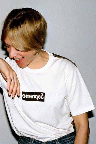 Марки Supreme и Comme des Garcons Shirt выпустили совместную коллекцию одежды. Изображение № 8.