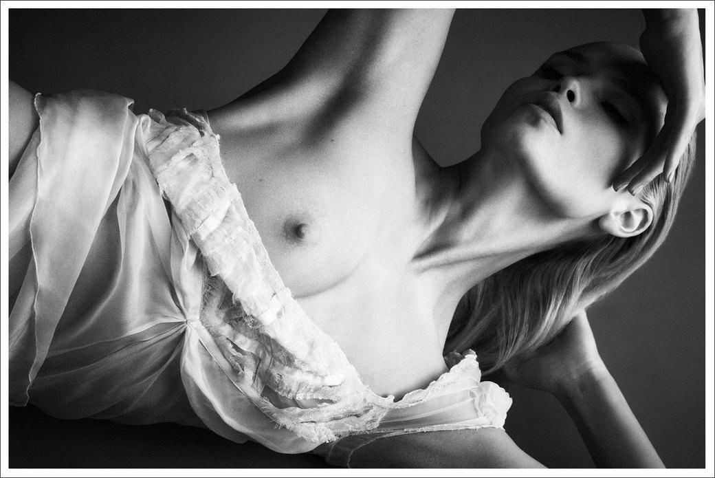 Наташа Поли сфотографировалась для журнала Treats!. Изображение № 5.
