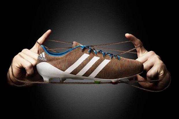 Adidas анонсировали вязаные футбольные бутсы Samba Primeknit. Изображение № 1.