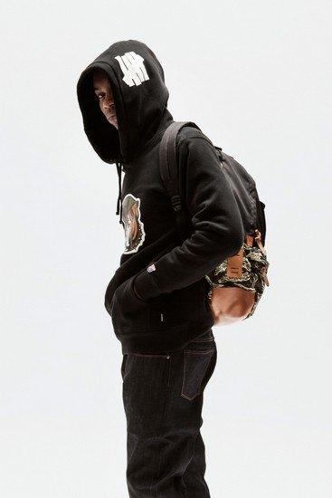 Марка Undefeated опубликовала лукбук весенней коллекции одежды. Изображение № 22.