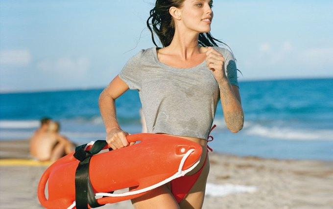 Американская модель Эмили Ди Донато снялась для французского журнала Double Magazine. Изображение № 8.
