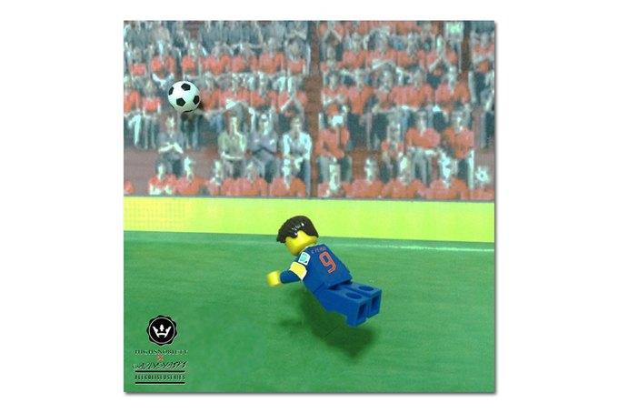 Малайзиец воссоздал исторические моменты футбольных чемпионатов из LEGO. Изображение № 4.