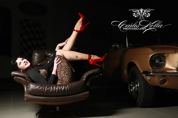GIRLS AND LEGENDARY AMERICAN CARS. Изображение № 34.